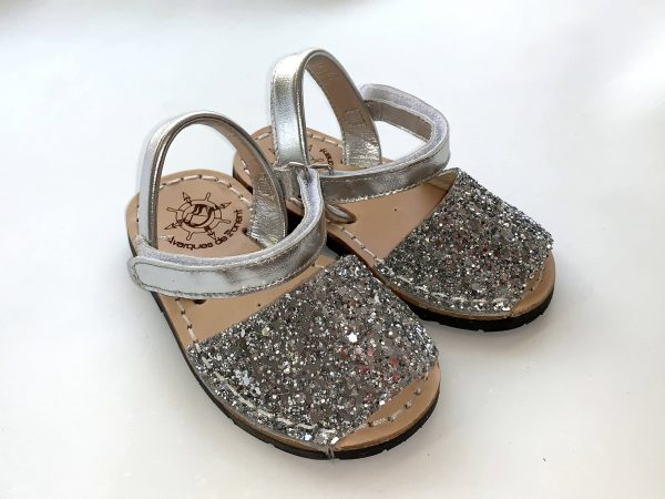 menorquina velcro niño glitter plata
